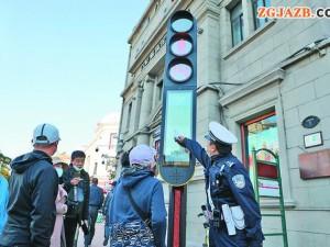 闯红灯后3秒内即曝光 黑龙江省哈尔滨市首个行人过街智能监控系统亮相